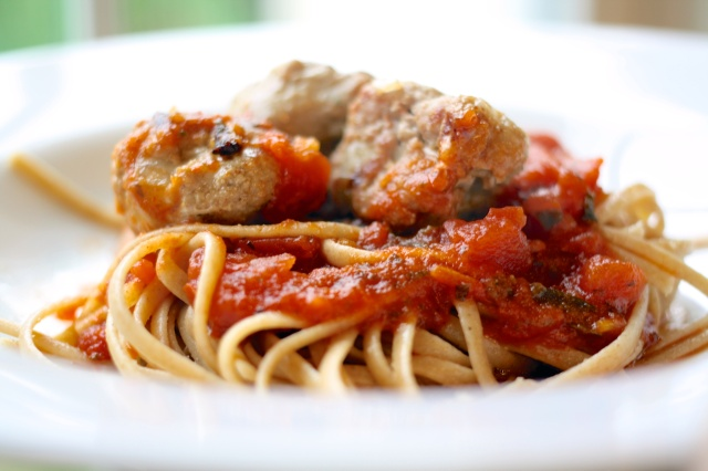Whole Wheat Linguine with Turkey Meatballs and Tomato Basil Sauce with White Wine